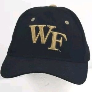 Wake Forest Demon Deacons NCAA  Size 7 1/8 Fitted